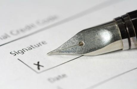 """אימות חתימה נוטריוני בנתניה: יפויי כח, משכנתא, אישורים לחו""""ל"""